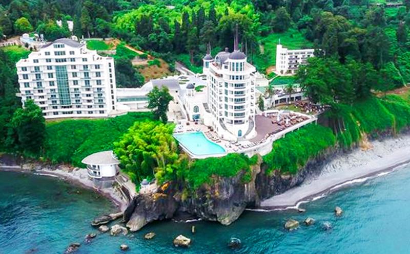 ოქტომბერში! ფასდაკლებით ორადგილიანი ნომრები კვებით + სპა ცენტრით სარგებლობა Premium კლასის სასტუმროში `Castello Mare Hotel & Wellness Resort`