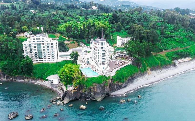 დაისვენეთ მაისში, ორადგილიანი ნომრები საუზმით + სპა ცენტრი ფასდაკლებით Premium კლასის სასტუმროში `Castello Mare Hotel & Wellness Resort`