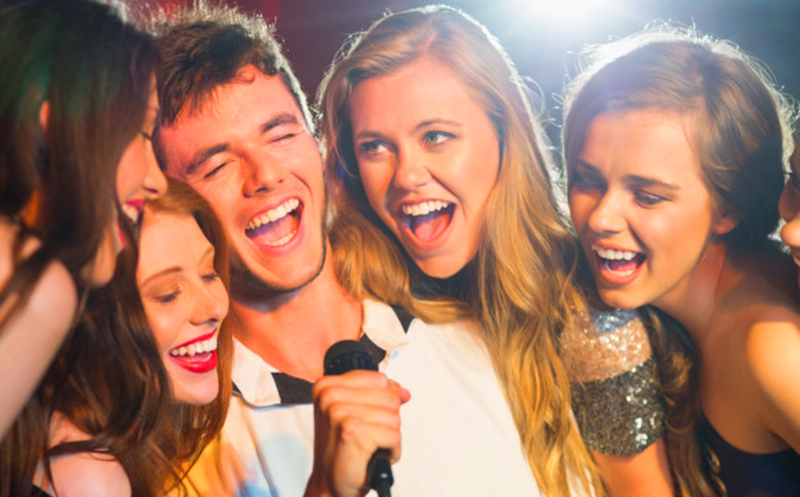 მარჯანიშვილზე კარაოკე ფაივში/Cafe-Karaoke Five მენიუ და სასმელი 10 პერსონაზე! გაატარეთ დაუვიწყარი დრო მეგობრებთან ერთად!